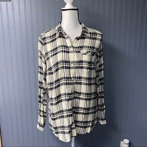 Women's lucky brand button back flannel top large